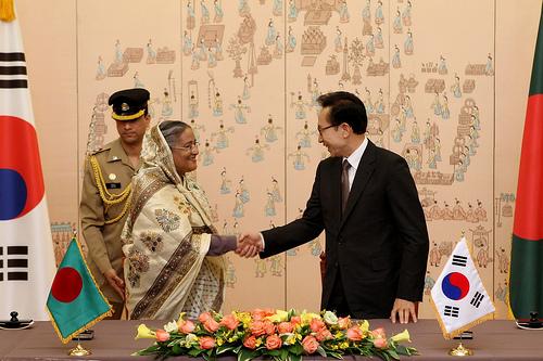 3695659895_NIxvZMle_Hon5C27ble_Prime_Minister_Sheikh_Hasina_with_President_Lee_Myung-bak_in_Blue_House