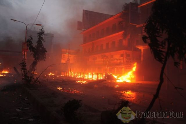 may-5-2013-dhaka-bangladesh-police-set-fire-65825