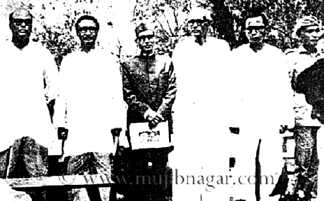 Ministry_of_Mujibnagar_Government_in_17-April-1971_on_Mujibnagar_Mango_Grove