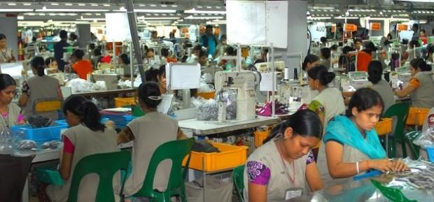 Bangladeshs-apparel-sector-620x289