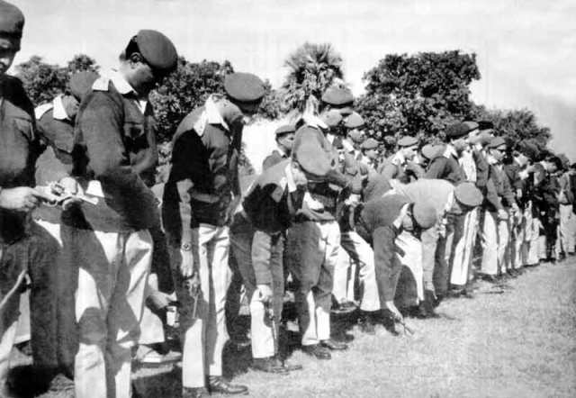 1971_War_Pakistani_troops_surrender