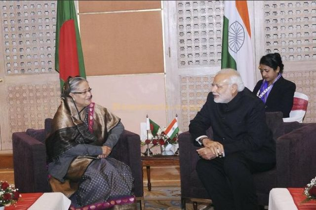 newswala-i-prime-ministers-of-saarc-countries-meet-at18th-saarc-summit-in-kathmandu-sx-1