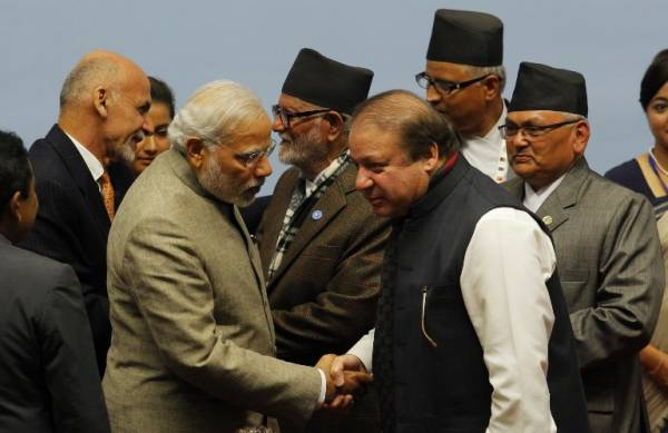 sharif-modi-handshake-salvages-saarc-summit-1417100627-4031