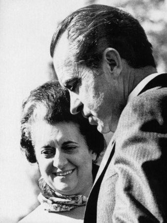 wholevillain-nixon-with-indira-november04-1971