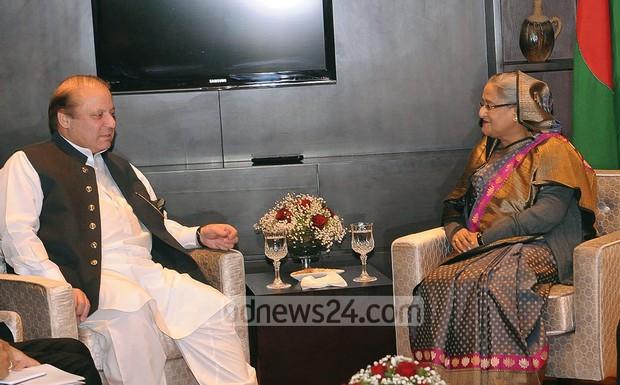 03_Sheikh+Hasina_Nawaz+Sharif_SAARC+Summit_261114_0006