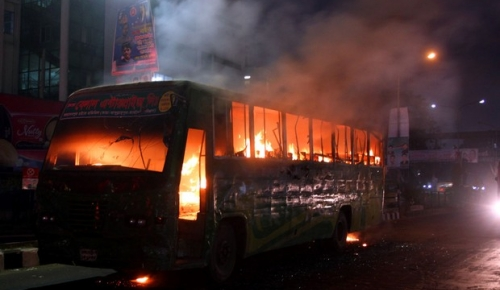 55_Fire_Bus_Shahbagh_Belal+Paribahan_10012015_00+(4)_54b4029e07cd5