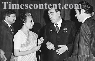 Leonid-Brezhnev-Indira-Gandhi