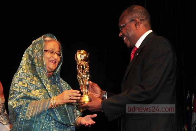 sheik-hasina-honoured-to-receive-the-Information-Communications-Technology-award