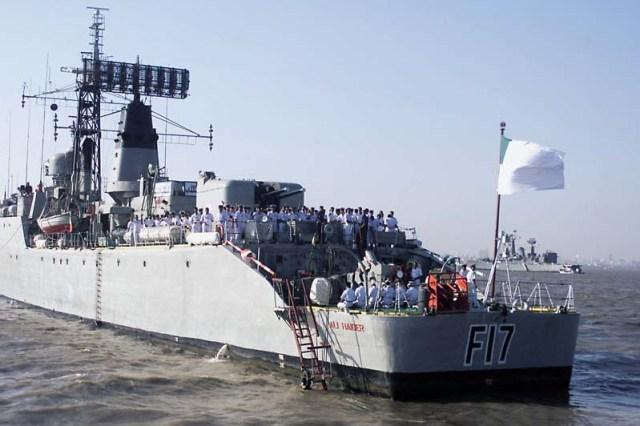 (IFR) International Fleet Review 2001. Mumbai, India