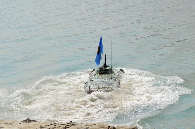 Bangladesh-Army-drill-BTR-80-1024x683
