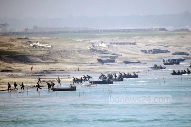 bangladesh-army-river-crossing-1024x683
