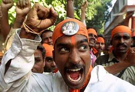 hindutva_khilnani_mob_on_rampage457