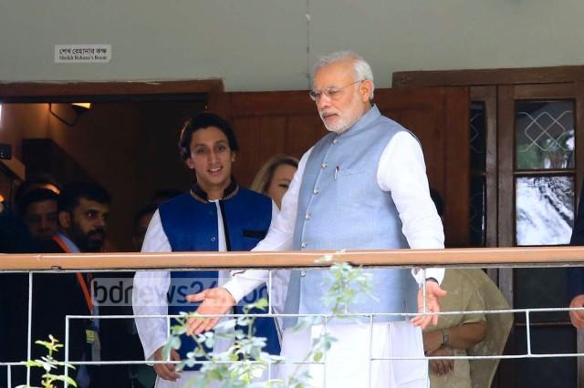 03_Narendra+Modi_Dhanmondi+32_060615_0003