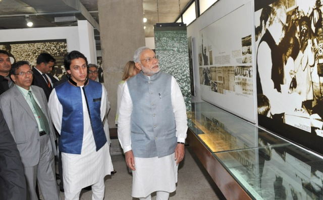 The Prime Minister, Shri Narendra visiting the Bangabandhu Memorial Museum, in Dhanmondi, Dhaka on June 06, 2015.