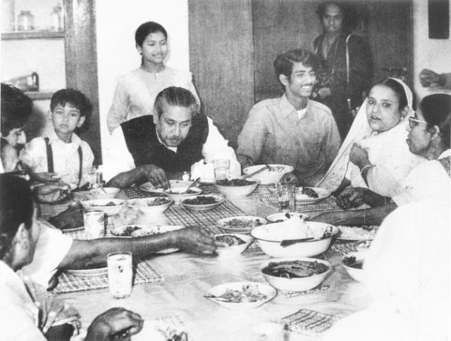 BANGABANDHU dinner-with-family