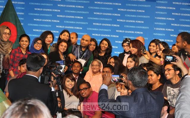 bdnews-pic-of-Sk-Hasina-@-C