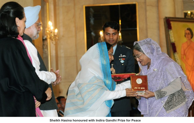 The President, Smt. Pratibha Devisingh Patil presenting the Indira Gandhi Prize for Peace, Disarmament and Development for 2009 to the Prime Minister of the People's Republic of Bangladesh, Mrs. Sheikh Hasina in New Delhi on January 12, 2010. The Prime Minister Dr. Manmohan Singh and the Chairperson, UPA, Smt. Sonia Gandhi are also seen in the picture.