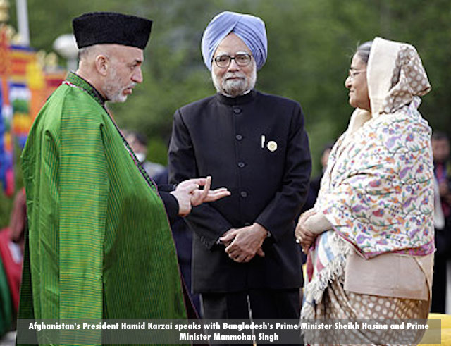 Afghanistan's President Hamid Karzai speaks with Bangladesh's Prime Minister Sheikh Hasina and Prime Minister Manmohan Singh