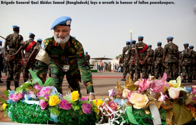 29 May 2011. El Fasher: Brigade General Qazi Abidus Samad (Bangladesh) at the UNAMID commemoration of the International Day of United Nations Peacekeepers at Arc Compound, led by the Deputy Joint Special Representative, Mohammed Yonnis. Photo by Albert Gonzalez Farran / UNAMID