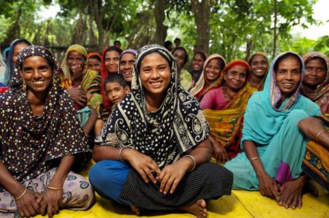 womeninbangladesh_petercantonoxfamau_800x533-648x431