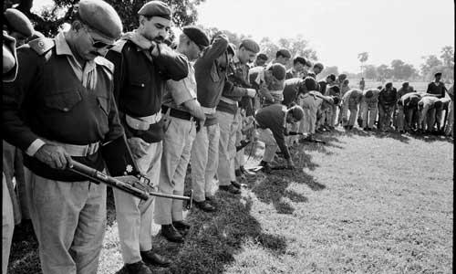 Pakistan-army-surrender-dhaka-cantonment