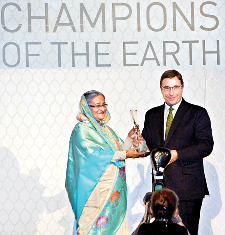sheikh-hasina-has-received-the-uns-highest-environmental-honour-the-champions-of-the-earth-award